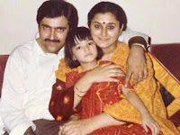 Kriti Sanon Childhood Photo With Her Father and Mother