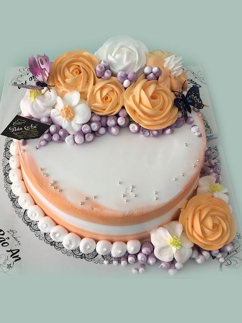 Mẫu Bánh kem đẹp hoa kem truyền thống