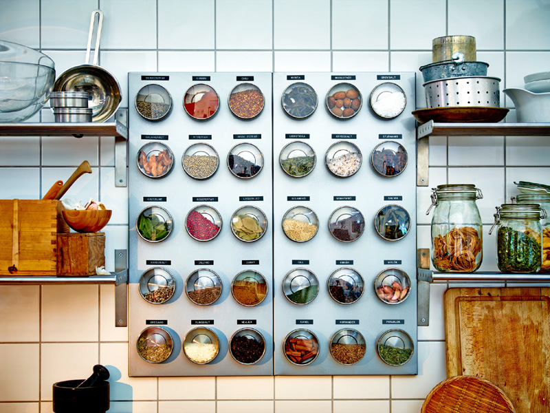 How to Set Up a Solid Spice Rack at Home