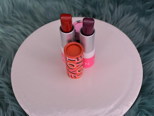Avon | Queen Of Heart's Lipstick