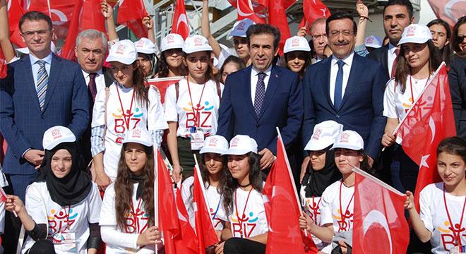 Öğrenciler, Diyarbakır'dan İstanbul ve Çanakkale'ye uğurlandı