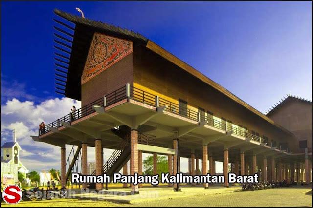 Foto Rumah Panjang Rumah adat Kalimantan Barat