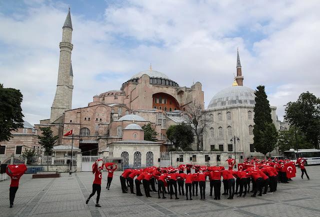Ισραήλ: Η Τουρκία από πεφωτισμένο κοσμικό μέλος μετατρέπεται σε ισλαμική δημοκρατία