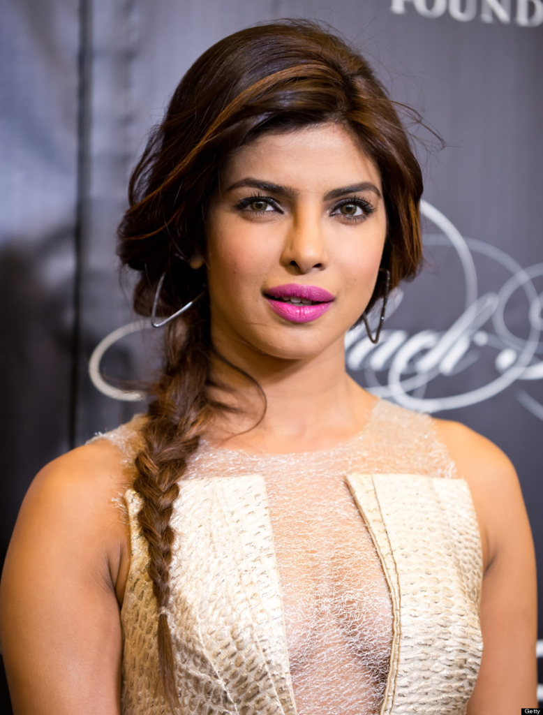Which are some bold glamorous photos of Bollywood and