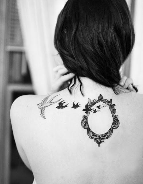 tatuajes para mujeres en la espalda pequeños