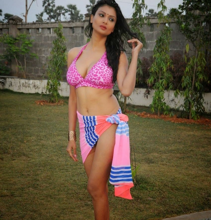 Ishita Vyas Sizzling bikini photos in Miss Leelavathi movie