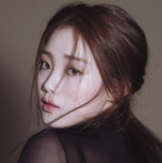 Lee sung-kyung