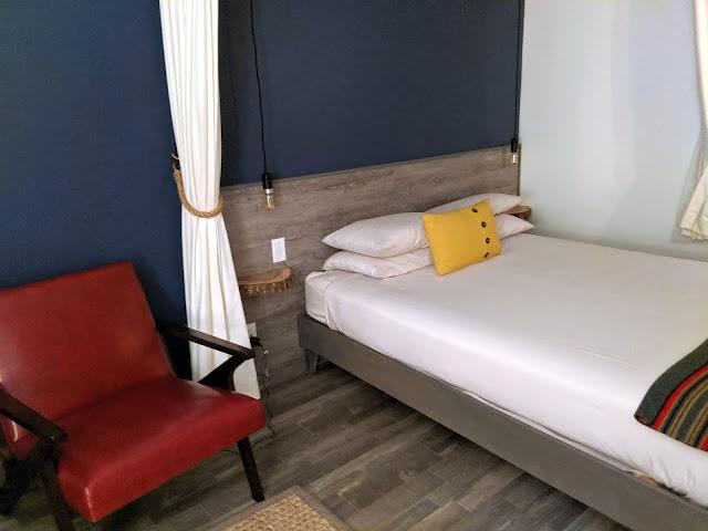 Treehouse Lodge room