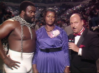 WWE / WWF Saturday Night's Main Event 1 (1985) - Junkyard Dog brought his mother Bertha to the ring