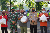 Sinergi TNI, Polri dan Elemen Masyarakat, Jumat Barokah Bagikan Sembako