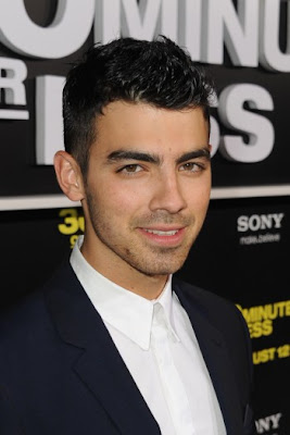 JOE JONAS SPIKY HAIRCUT