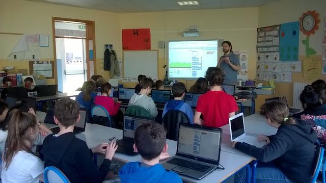 Simone Bacciglieri lezione di programmazione con Scratch