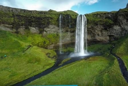 tempat wisata terindah di dunia SELJALANDSFOSS