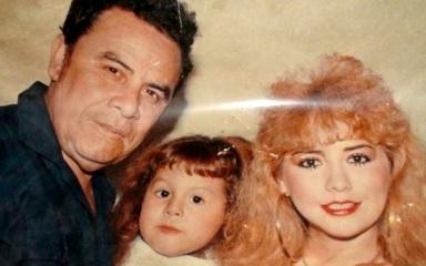 Augusto Polo Campos con Susy Díaz y Flor Polo