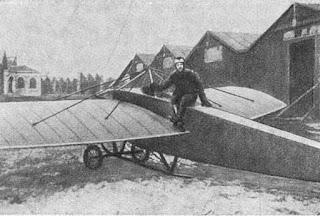 Штабс-капітан Нестеров біля літака «Ньюпор-IV»