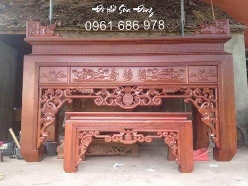 Có nên chọn bàn thờ gỗ gụ làm bàn thờ gia tiên không?-2