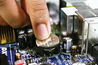 Tentang CMOS Pada Komputer