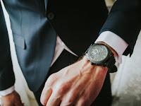 5 Tips Memakai Jam Tangan Pria untuk Menunjang Penampilan
