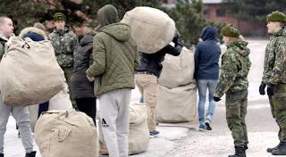 Uudet alokkaat saapuivat Santahaminan varuskuntaan Helsingissä tammikuussa 2017. Image: Markku Ulander / Lehtikuva