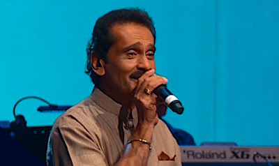 Sanda Kada Wati Werale Song Lyrics - සඳ කඩා වැටී වෙරළේ ගීතයේ පද පෙළ