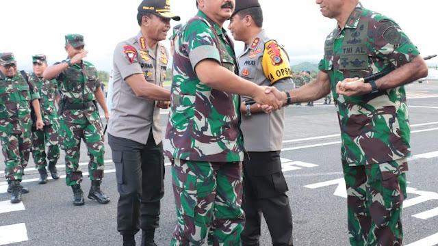 Kunjungi SULUT,Panglima TNI dan Kapolri disambut   Komandan Lantamal VIII  Manado