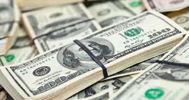 الدولار يسجل أعلى سعر في تاريخه بالسوق السوداء