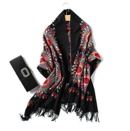 وشاح وشال مطرز Embroidered scarf and shawl