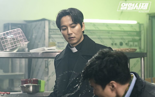The 'The Fiery Priest' Latest Episode Rating On Friday (29/3), Successfully Beat Its Own Rating Record Because The Next Surprising Scene.