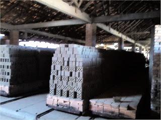 Produção de Tijolos, na Cerâmica Fachinetto, em Arvorezinha