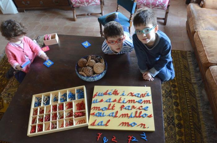 alfabeto móvil montessori para desarrollar la escritura creativa y expresiva