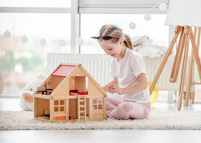 Kuchnie drewniane dla dzieci - od jakiego wieku warto kupić taką zabawkę?
