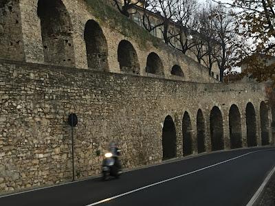 Image of Bergamo: Viale della Mura.