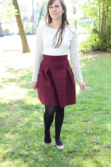 woman outfit burgundy