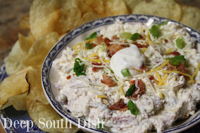 All the flavors you love with a loaded baked potato, in a dip! Serve with sturdy potato chips or crispy waffle fries.