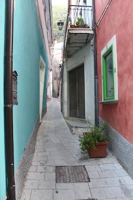 i colori delle case a Maratea