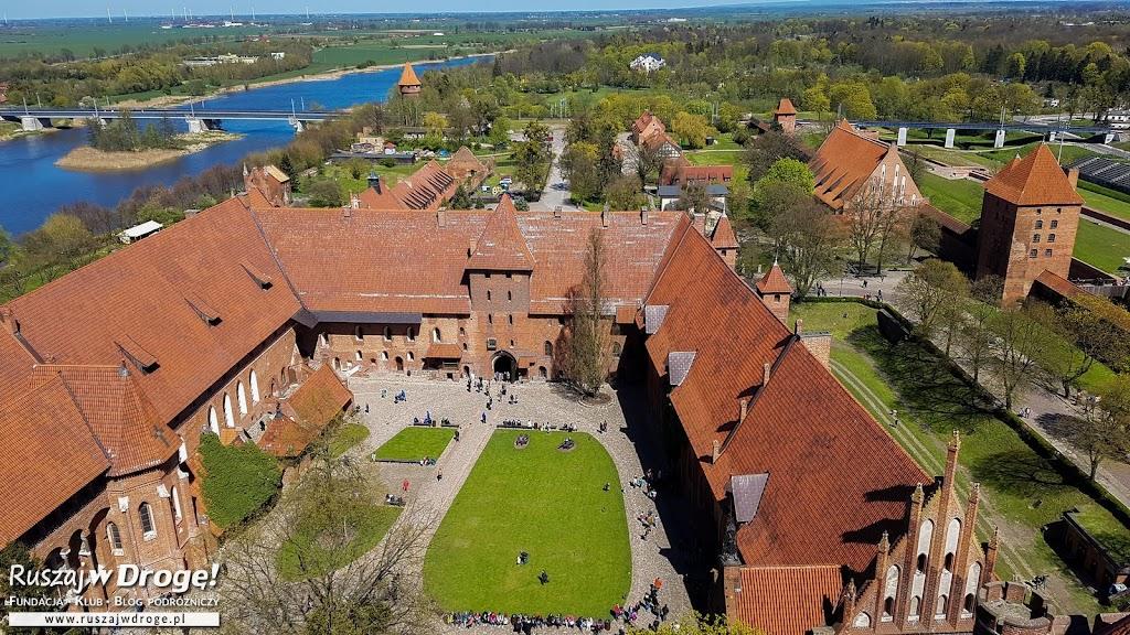 Widok z wieży zamkowej w Malborku