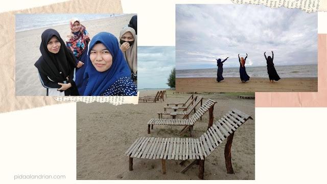 Bersenang-senang di pantai peudawa