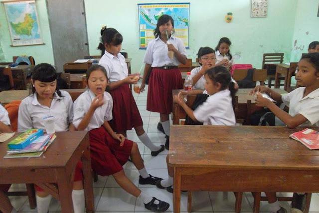 Orangtua dan Guru Harus Cermat Mengawasi Jajanan Anak di Sekolah