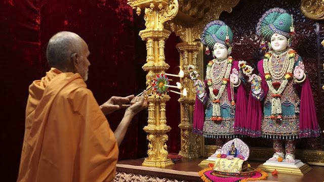 Mahant Swami Maharaj In Perth