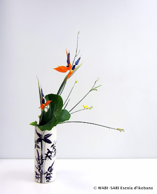 Ikebana-Jiyuka-Nageire-Freestyle-Wabi-sabi