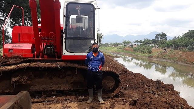Satgas Sektor 21 Klaim Berhasil Selesaikan Pengerukan Sedimentasi Sungai Cipamokolan Sepanjang 3 Kilometer