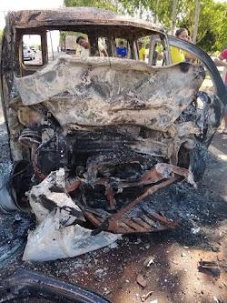 TRAGÉDIA NA ESTRADA DO BAÚ!! veículos se chocam pega fogo, e corpos ficam carbonizados