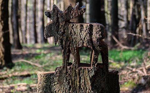 Artwork carved into tree stump