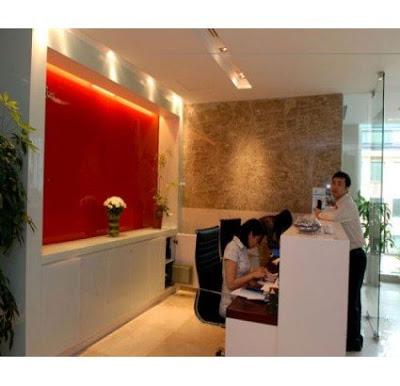 kinh mau op tuong trang tri Thi công lắp đặt kính trang trí tường nhà ở, showroom, shop, công ty tại HCM