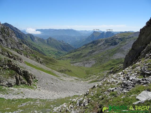 Valle de Covarrubia subiendo al Siete. Vista a la Vega de Meicín