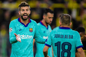 Pique and 3 other Barcelona players set to experience pay cut in salaries.