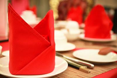 Décoration de table de maraige couleur rouge