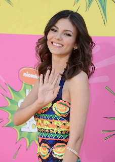 Celebrity Fashion at the Kids' Choice Awards 2013