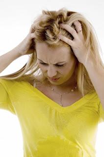 hogyan kell mosni a hajat a fej pikkelysömörével népi gyógymódok kis vörös foltok a lábszáron