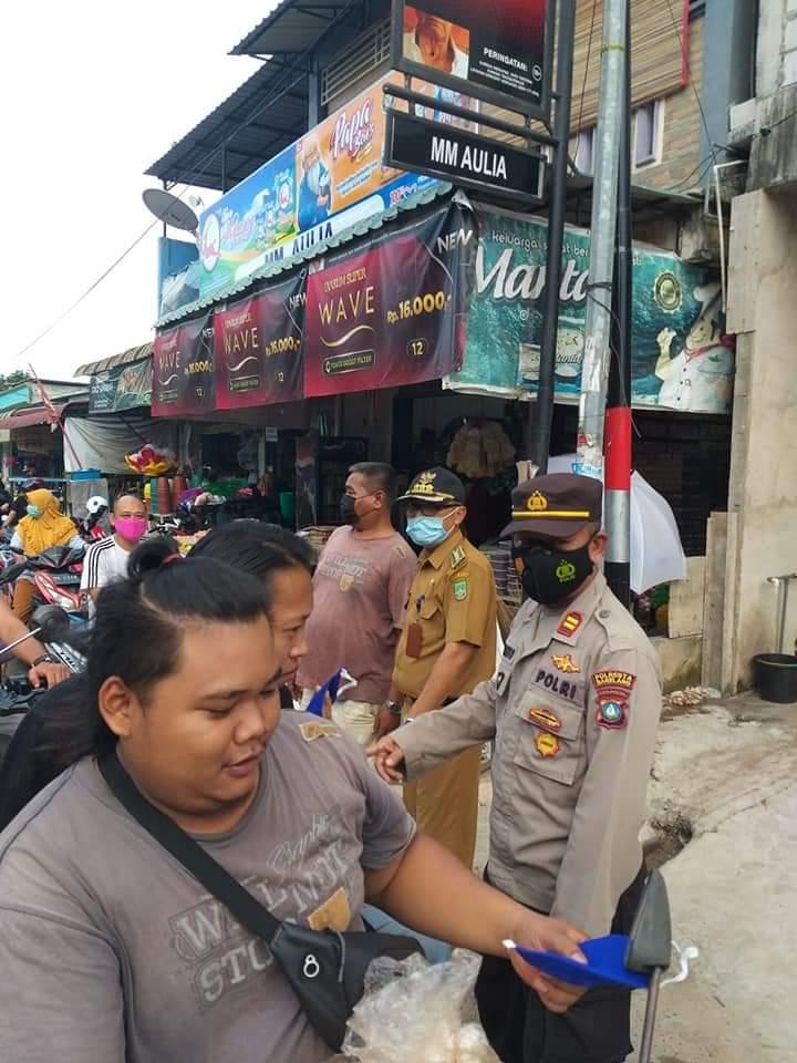 Cegah Penyebaran Covid-19, Camat Sei Beduk Bersama TNI-Polri Tindak Lanjut Arahan Wali Kota Tegakkan Prokes